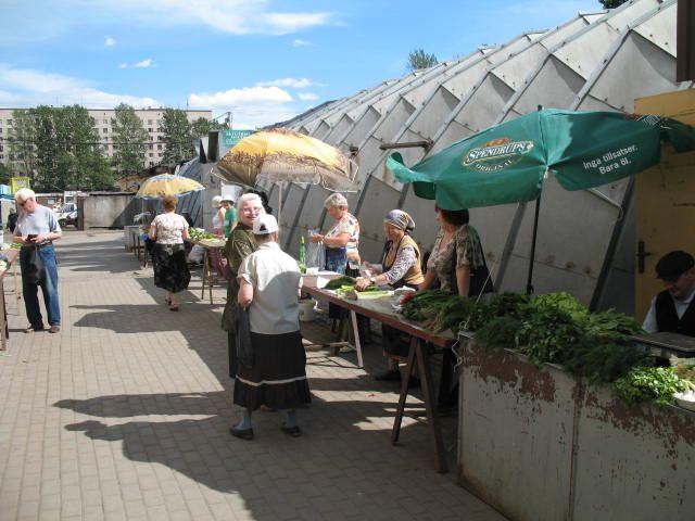 В Г Смолего позаботился о реализации продукции садоводов любителей